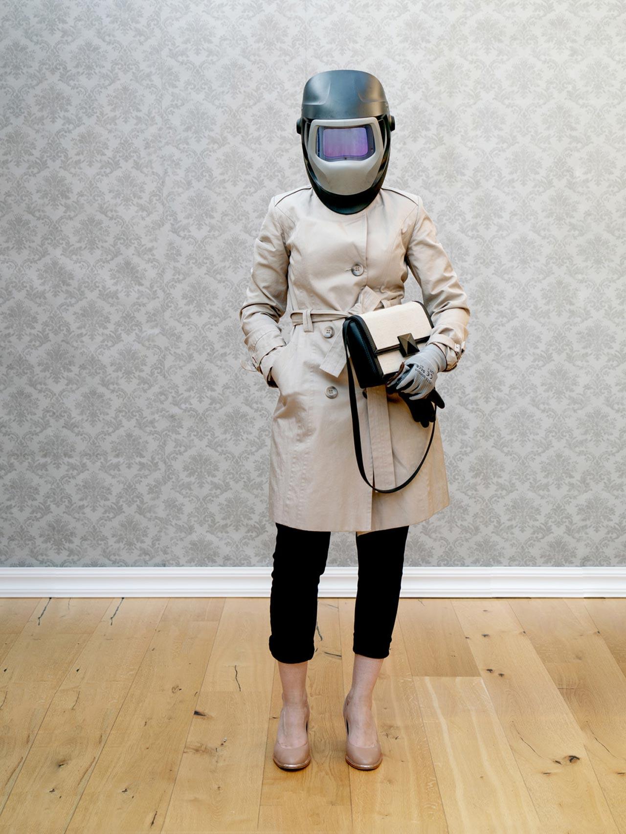Proszę Państwa. Kolejne kroki w walce z koronawirusem. <br> Wprowadzamy obowiązek noszenia maseczek ... <br> Czy aby na pewno to pomoże? <br> Zdjęcie wyróżnione  w konkursie fotograficznym Razem 2020.